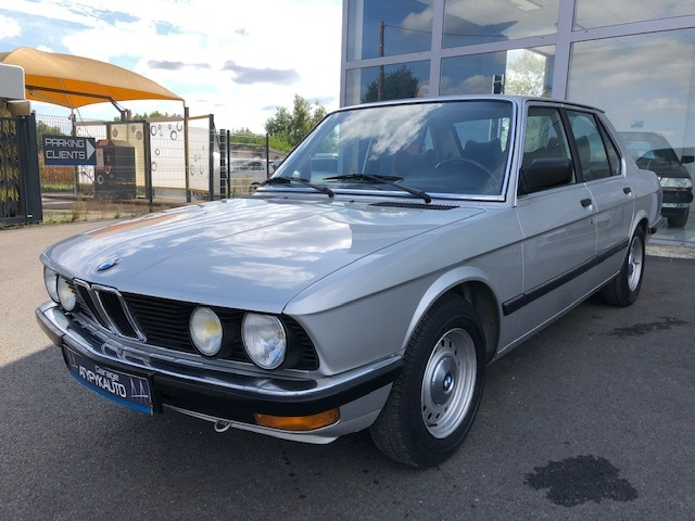BMW BMW Série 5 E28 520I